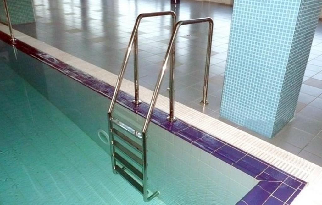 Сделать лестницу в бассейн